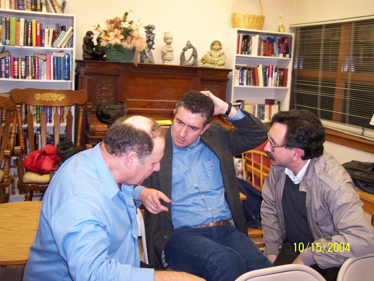 Г. Хомчик слушали и обсуждали гости из Техаса и Бразилии